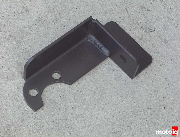 idler arm brace for Nissan Pathfinder