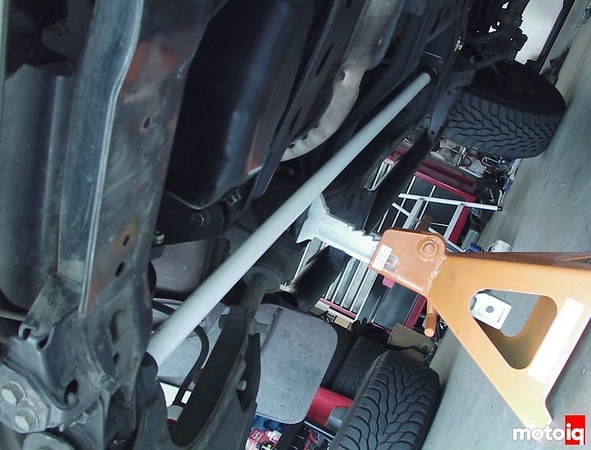 Torsion bar installed on Nissan Pathfinder