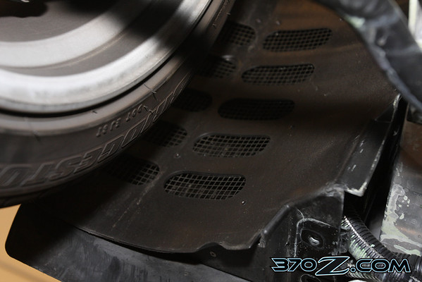 370Z press car oil cooler